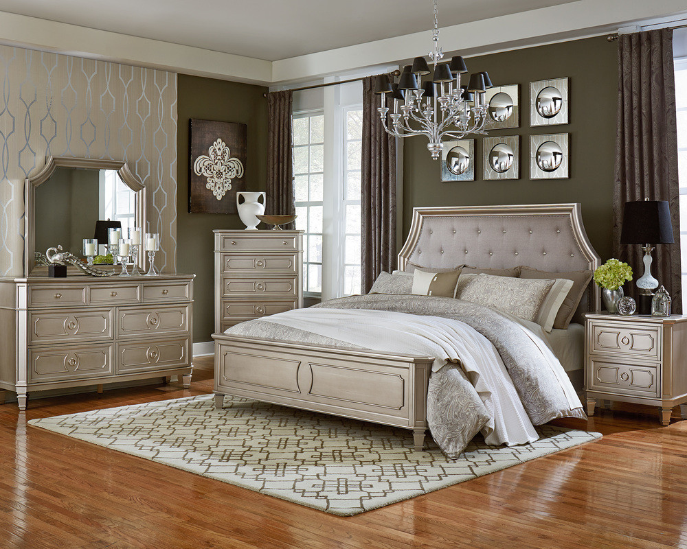 Windsor Silver King Bed, Dresser, Mirror, & Nightstand